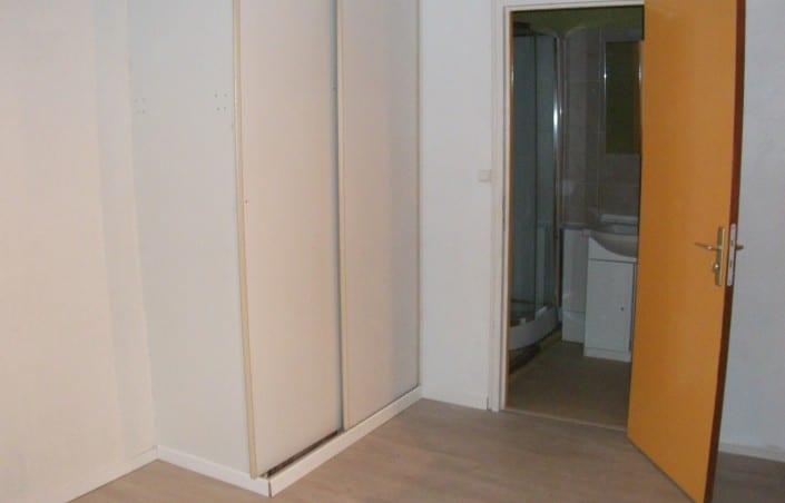 il est temps de remettre neuf avec les as du placard. Black Bedroom Furniture Sets. Home Design Ideas