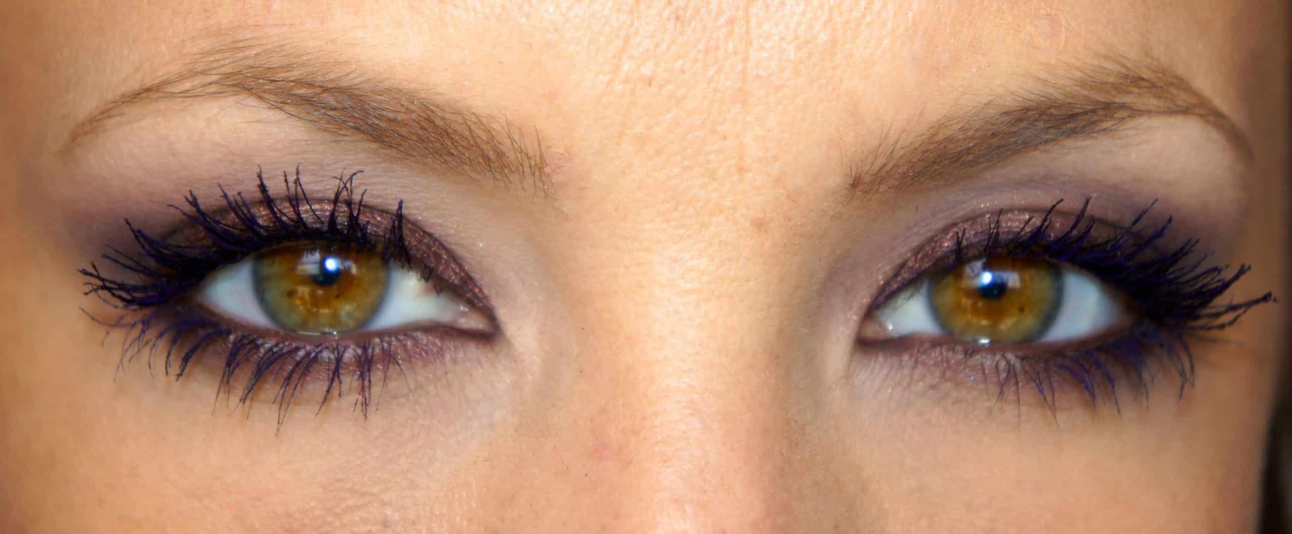 Comment flirter avec les yeux